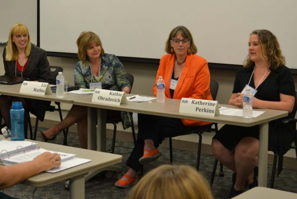 Katherine Perkins (right), executive producer for talk shows at Iowa Public Radio, discusses the do's and don'ts for interacting with the media. From left: Valerie Hennings, center scholar-in-residence; state Sen. Liz Mathis, D-Iowa; and Kathie Obradovich, Des Moines Register political columnist.